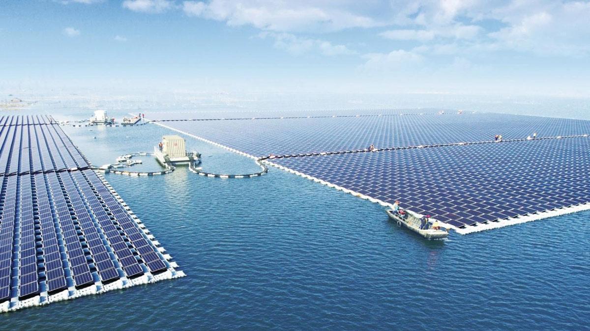 Solarpanelsystemfloatinginocean