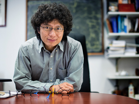 Still image from Synthetic Chemist Jin-Quan Yu | 2016 MacArthur Fellow